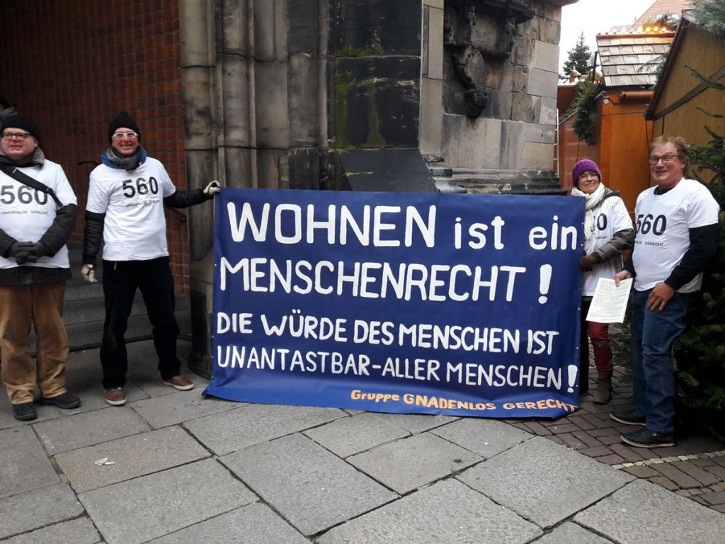 Wohnen_Mahnwache_-K.-D._Gleitze_2._von_links